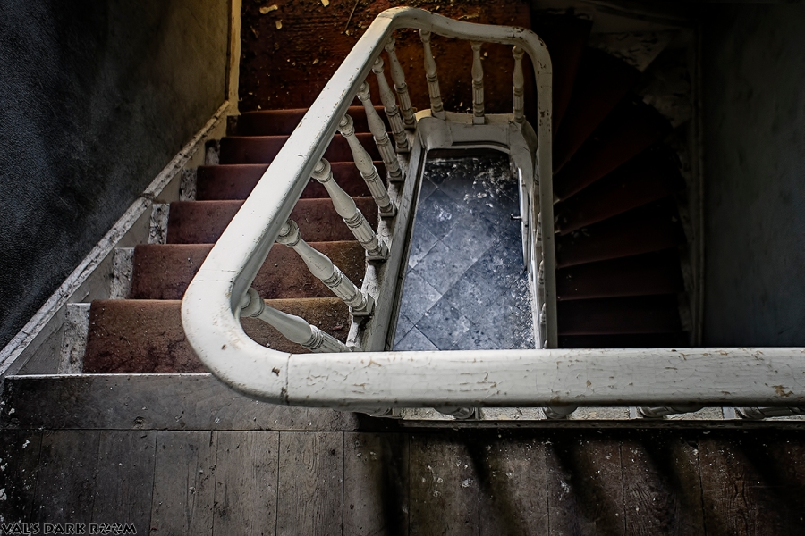 Manoir of the bride - staircase