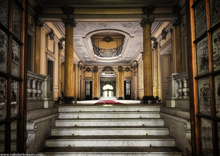 Chateau Lumière - Entrance Hall